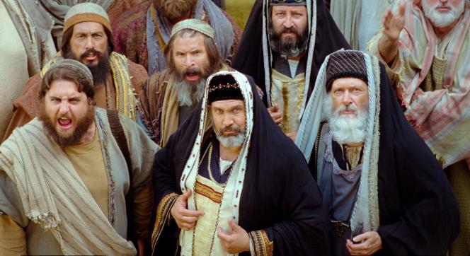 Matthew 27:1–2, 11–25, Men in the congregation condemn Christ