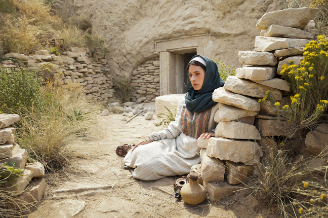 John 20:3–18, Mary Magdalene weeps outside Jesus Christ's tomb