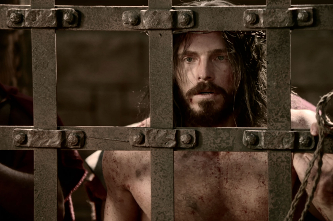 Matthew 27:26–50, Jesus scourged in prison