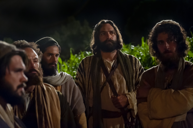 Luke 22:31–34, Peter and other Apostles listen to Jesus Christ near Gethsemane
