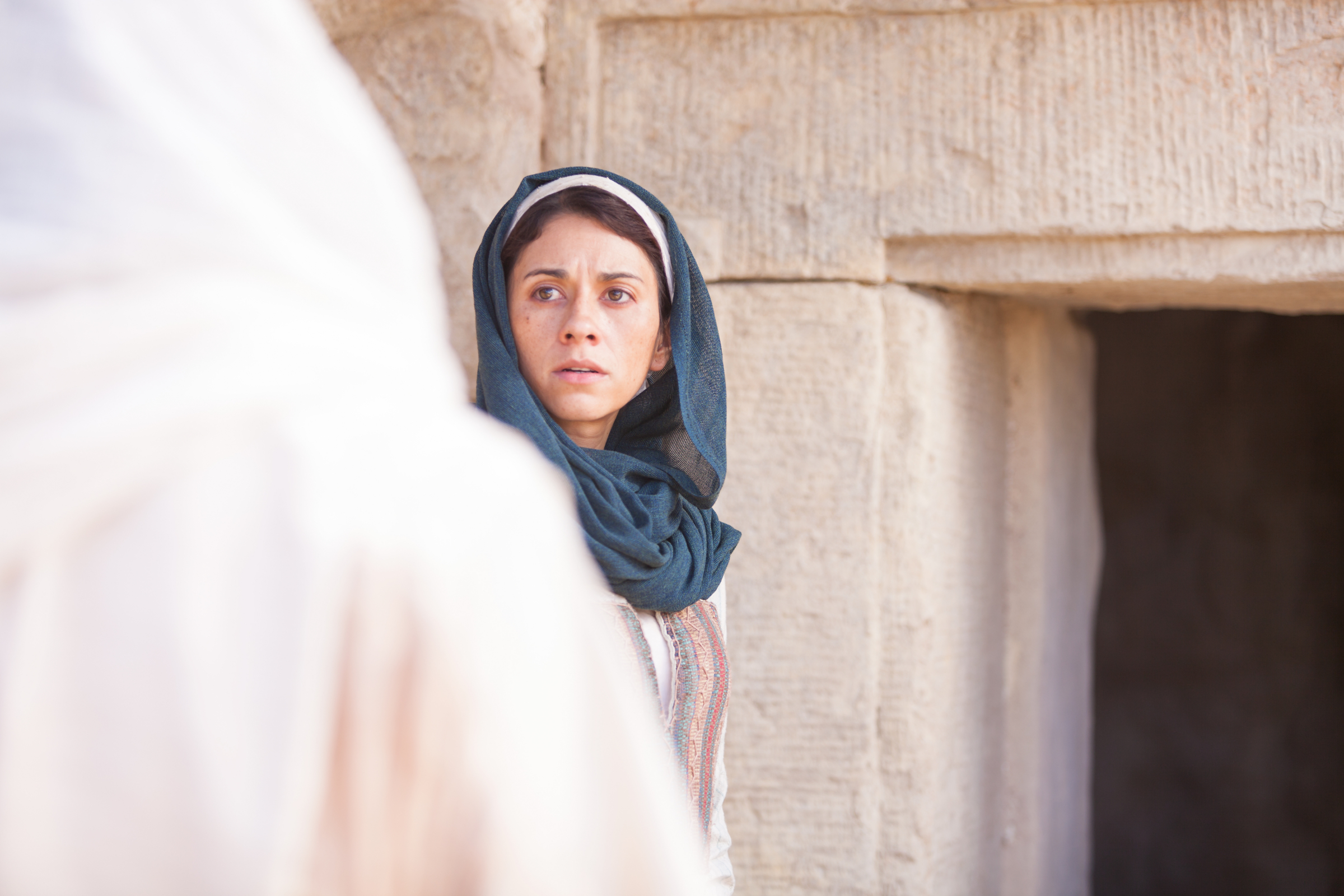mary sees the resurrected christ