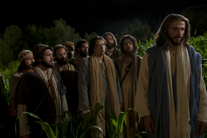 Luke 22:31–34, Jesus warns Peter