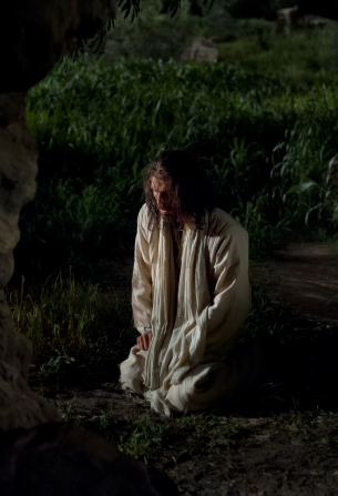 Matthew 26:36–56, Christ kneels to pray in the garden