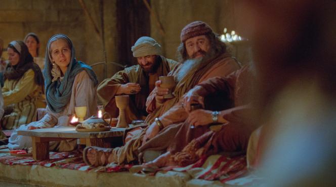 John 2:1–12, Mary looks at Jesus at the wedding festival