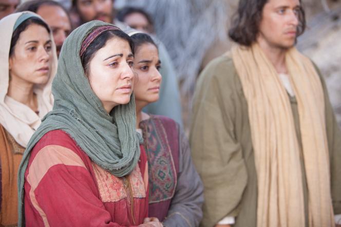 John 11:1–44, Mary and Martha crying for Lazarus