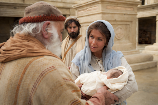 Luke 2:1–20, Mary presents baby Jesus at the temple