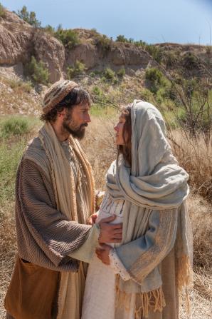 Luke 2:4–6, Mary and Joseph journey to Bethlehem