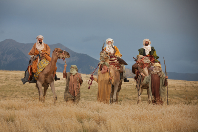 Matthew 2:1–2, 11–15, The Wise Men travel by camel in search of the baby Jesus