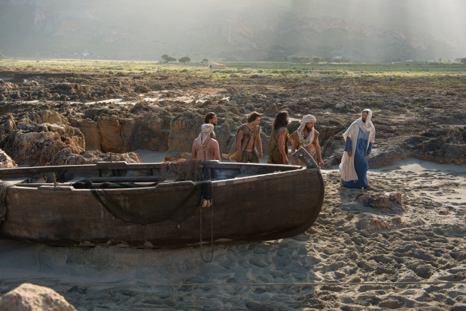 John 21:1–22; Matthew 4:18–22, The disciples leave their ship and follow Christ