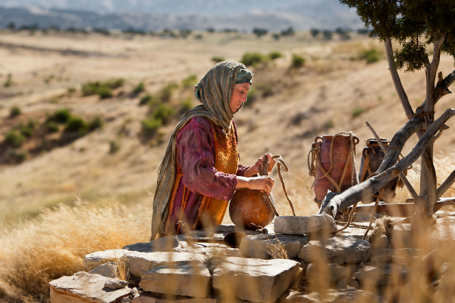 John 4:5–29, The Samaritan woman fetches water from the well