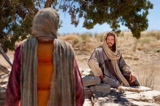 John 4:5–29, Jesus sits at a well when a Samaritan woman approaches