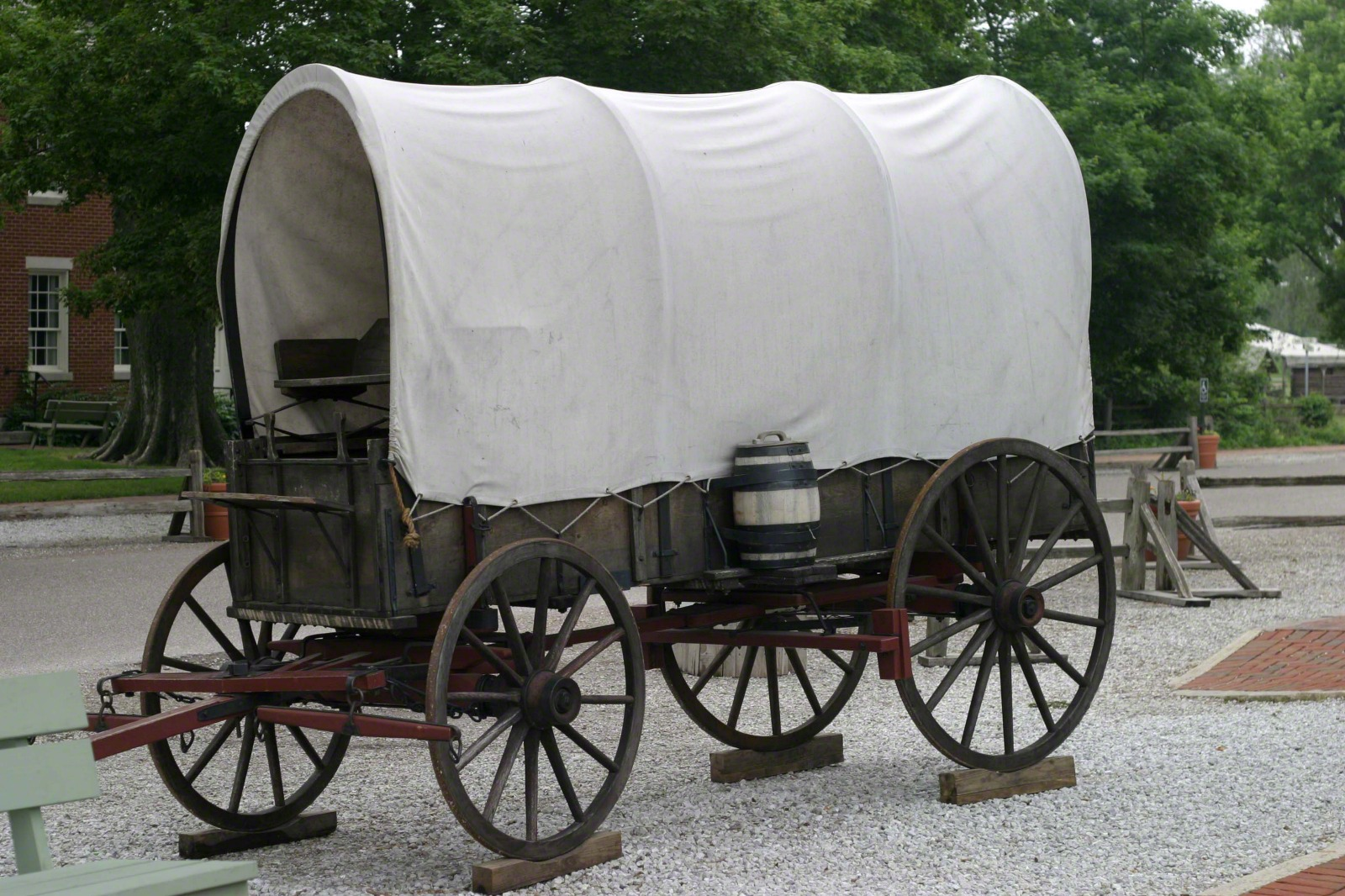 pin pioneer covered wagon on pinterest pioneer wagon wheel clipart Cartoon Covered Wagon