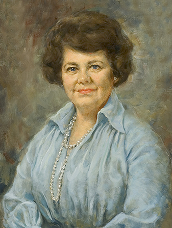 A painted portrait by Cloy Paulson Kent of Ruth Hardy Funk against a blue and brown background, wearing a blue dress and pearls.
