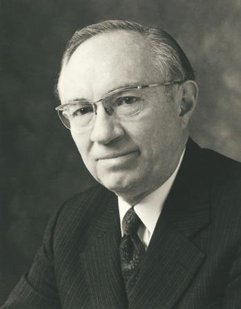 A black-and-white photograph portrait of President Gordon B. Hinckley, by Eldon Keith Linschoten.
