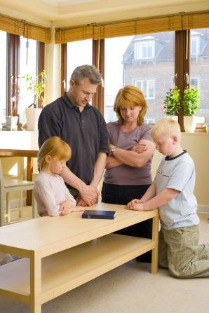 http://media.ldscdn.org/images/media-library/prayer/family-prayer-307847-gallery.jpg