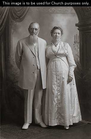 Joseph Fielding Smith's parents, Joseph F. Smith and Julina Lambson Smith, standing together.