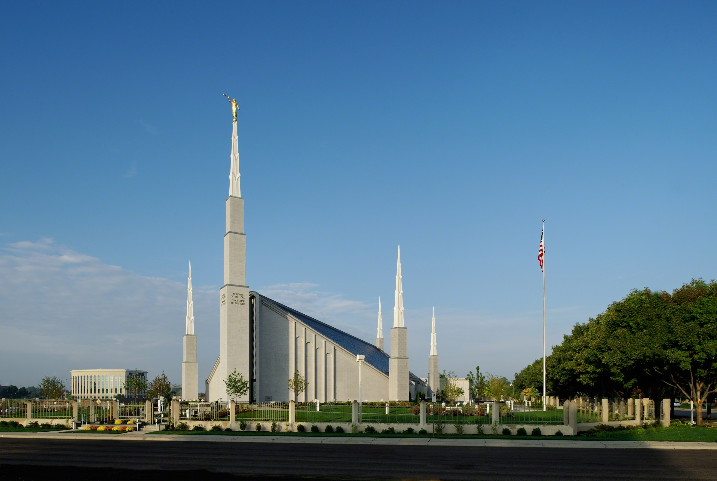 the boise idaho temple and grounds