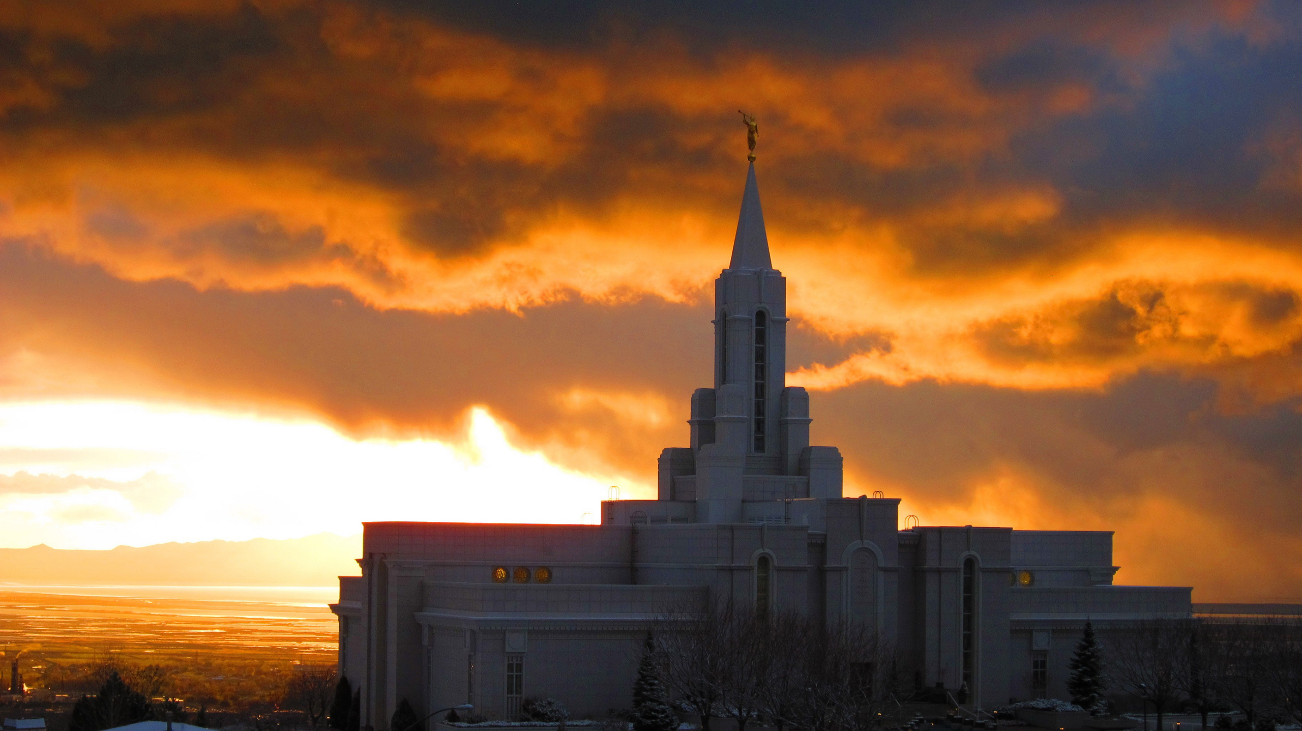 The bountiful utah temple at sunset - Lds temple wallpaper ...