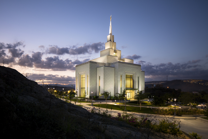 The entire Tegucigalpa Honduras Temple and grounds all lit up at night.