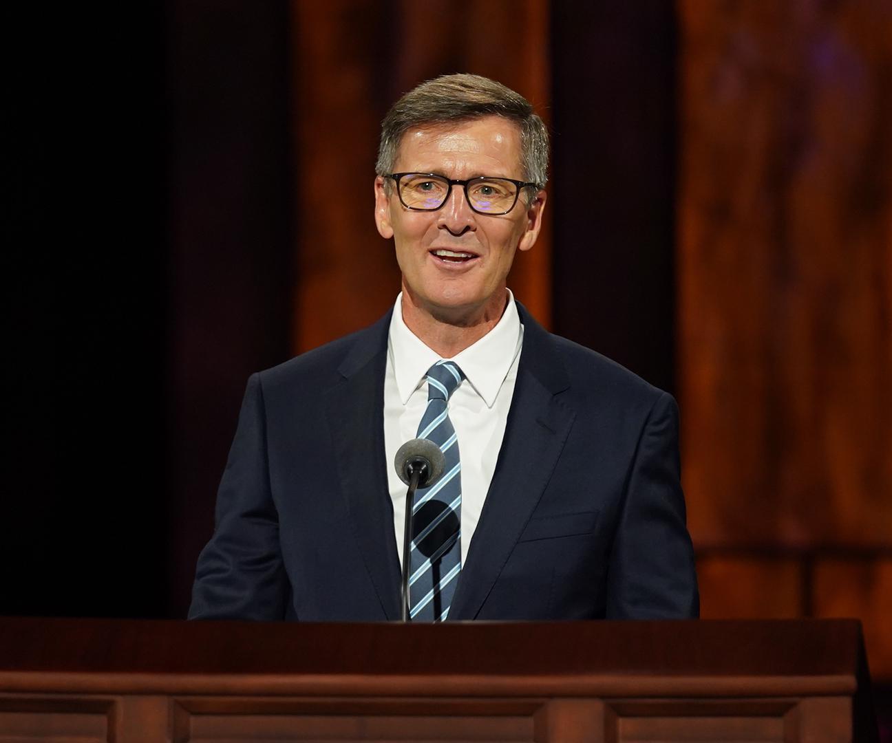 Steven J.Lund